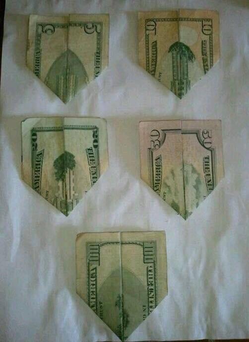 ドル札 飛行機
